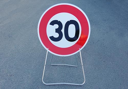 Vitesse limite a 30km h Panneau de signalisation Panoloc en stock