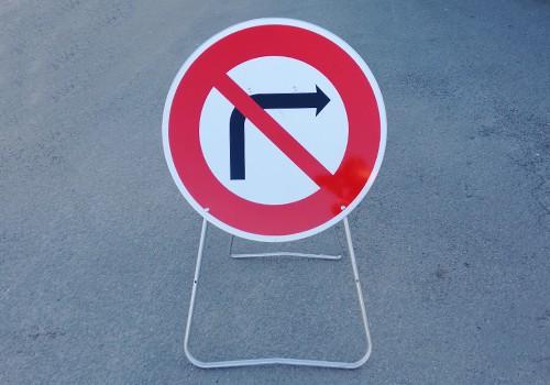 panneau temporaire interdit de tourner a droite BK2b Panoloc lens